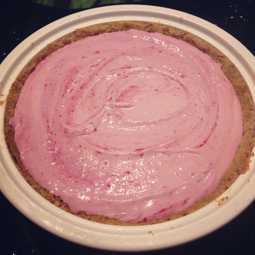 Raspberry Yoghurt Cream Pie - NOM diddly NOM nom.